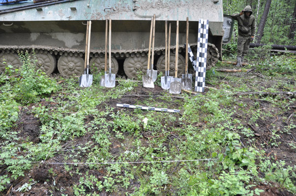 Археологические разведки в тайге Якутии, шурф пред раскопом, 2017