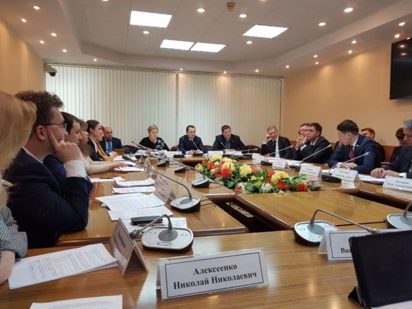 Заседание Секции Экспертного совета по строительству, промышленности строительных материалов и проблемам долевого строительства при Комитете Государственной Думы по транспорту и строительству